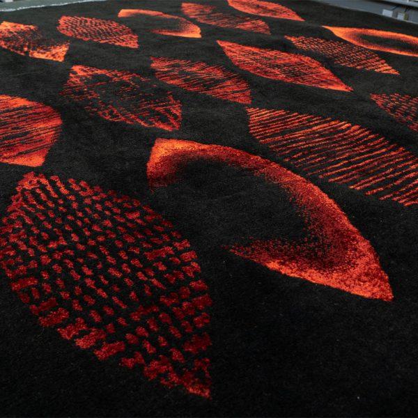 Design Parvaneh Rot Die Seidenkokons
